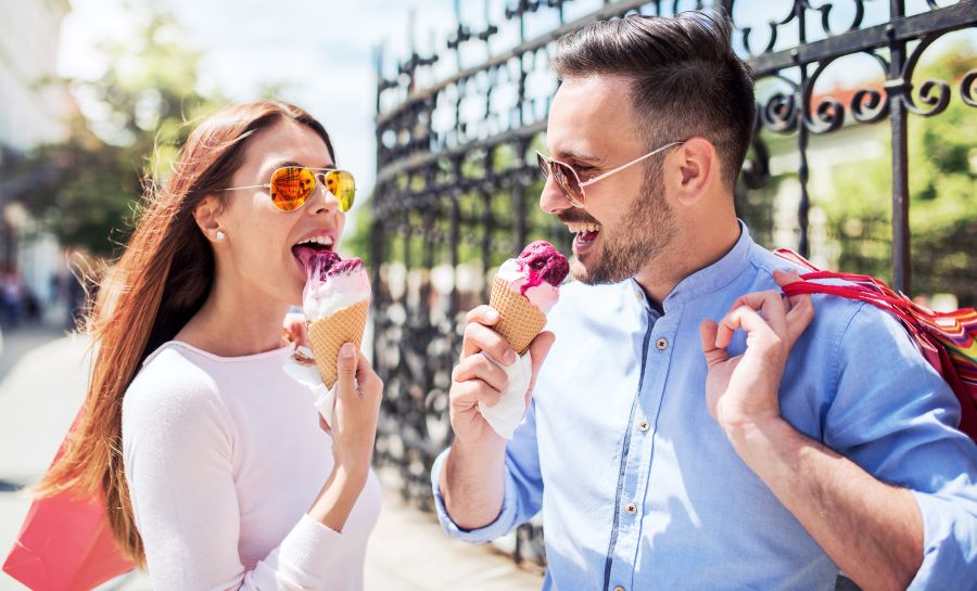 Friendzone Friends Eating Ice Cream